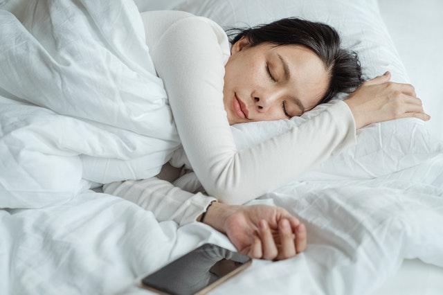 Le CBD diminue les insomnies